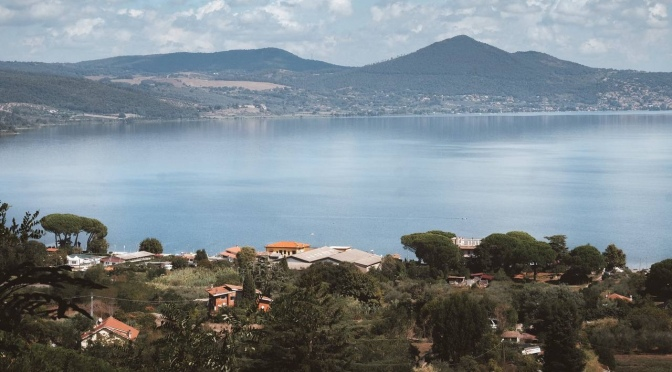 Lacul Bracciano, si orasele Bracciano si Anguillara Sabazia | Calatorie de 1 zi la 32 km de Roma | Obiective turistice Lazio